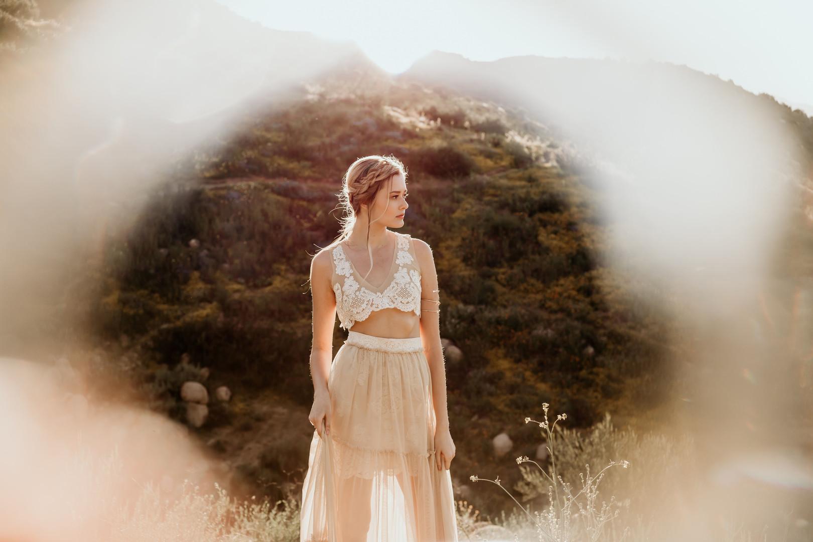 MelissaFeChapmanPhotography_PoppyfieldsbridalsessionwithBrookebyMelissaFeChapmanPhotography3281912_big.jpg