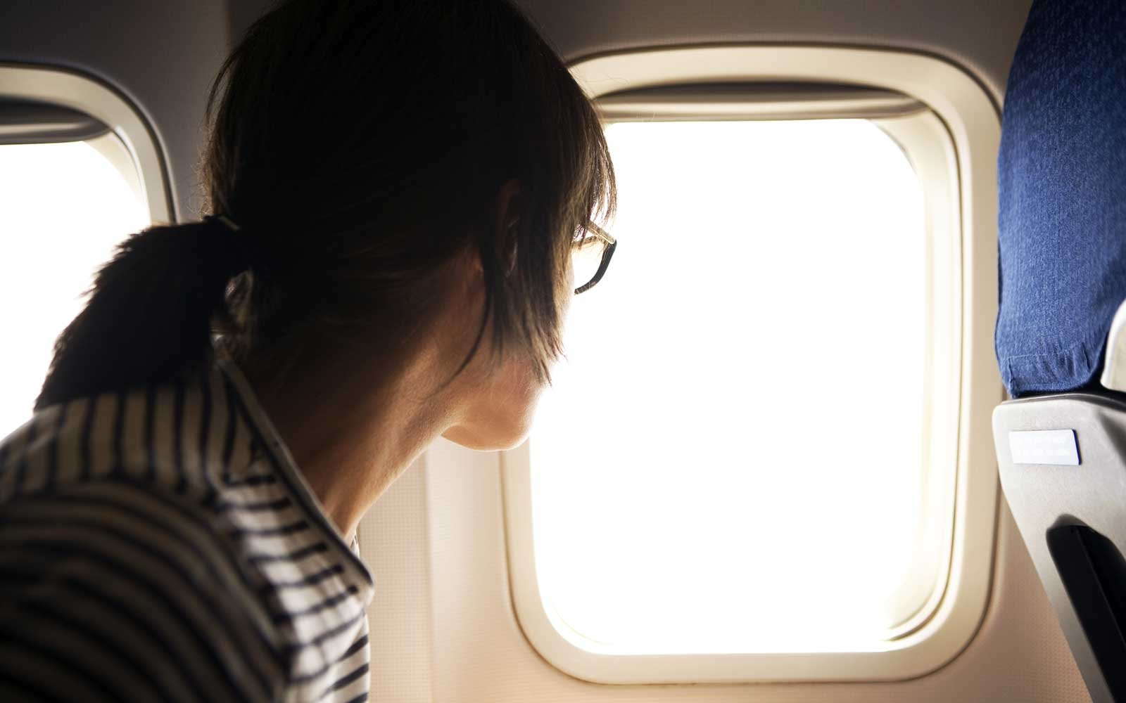 airplane-cabin-passenger-LONGFLIGHT1018.jpg
