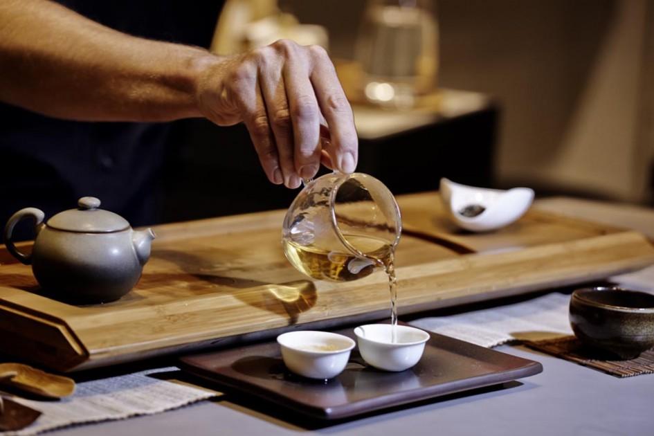 P-T_Gong-Fu-Tea-Tasting_Stagebrothers_2200-945x630.jpg