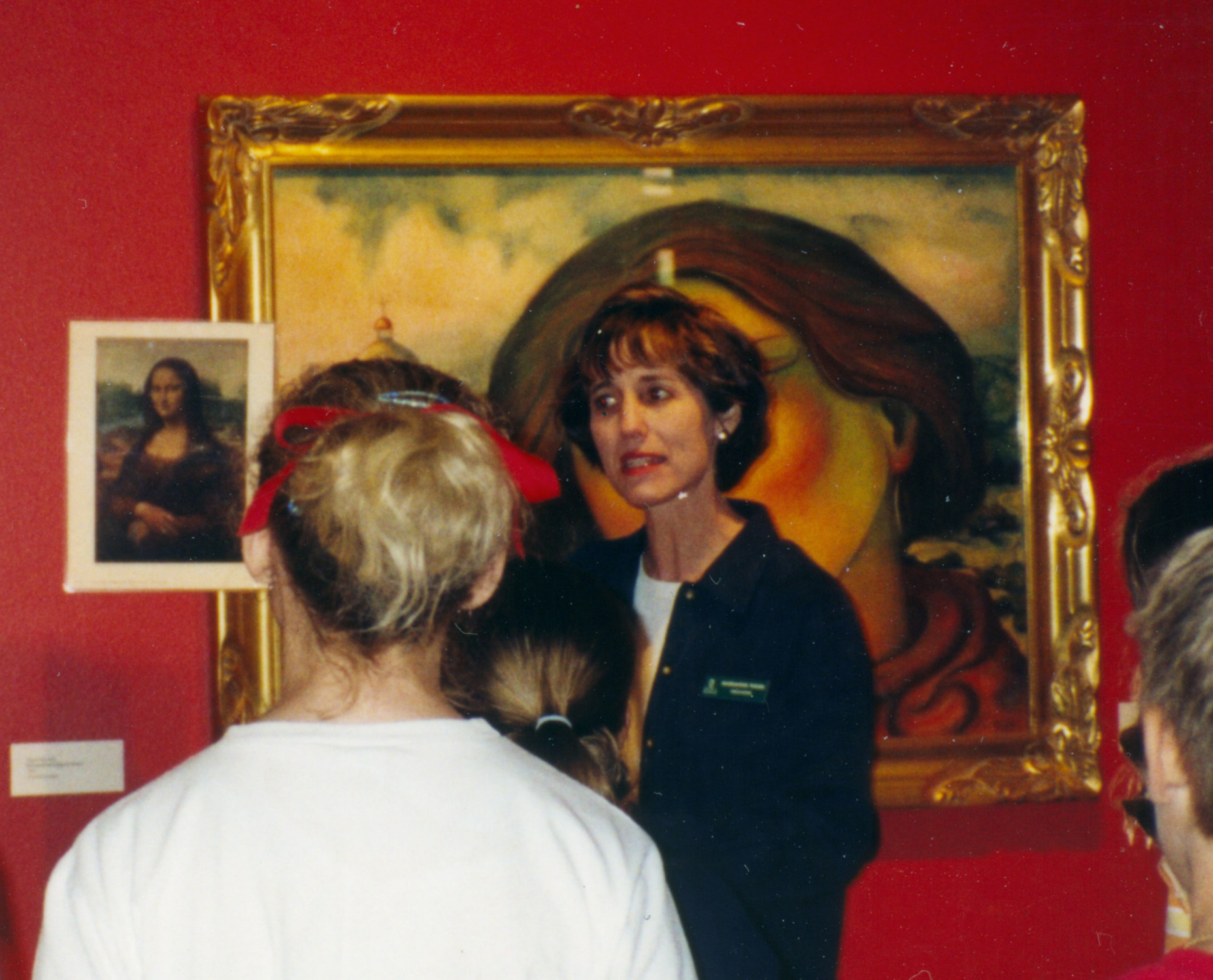 Tours of local art exhibitions are included with many classes.