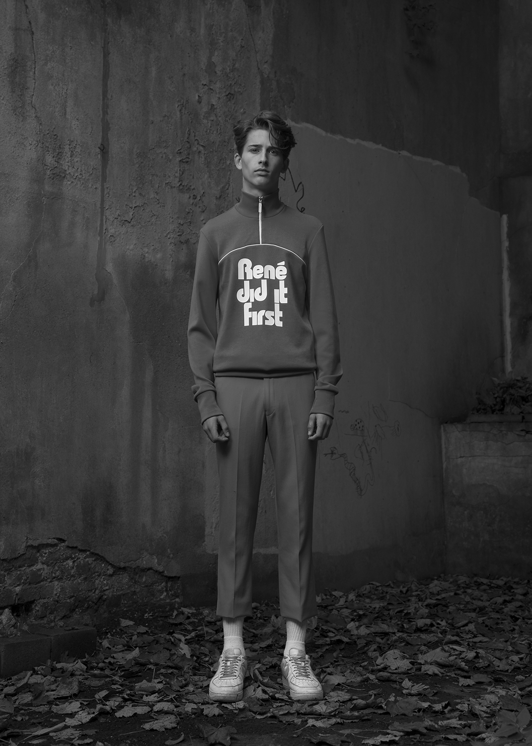 sweatshirt  & pants by LACOSTE / shoes by NIKE