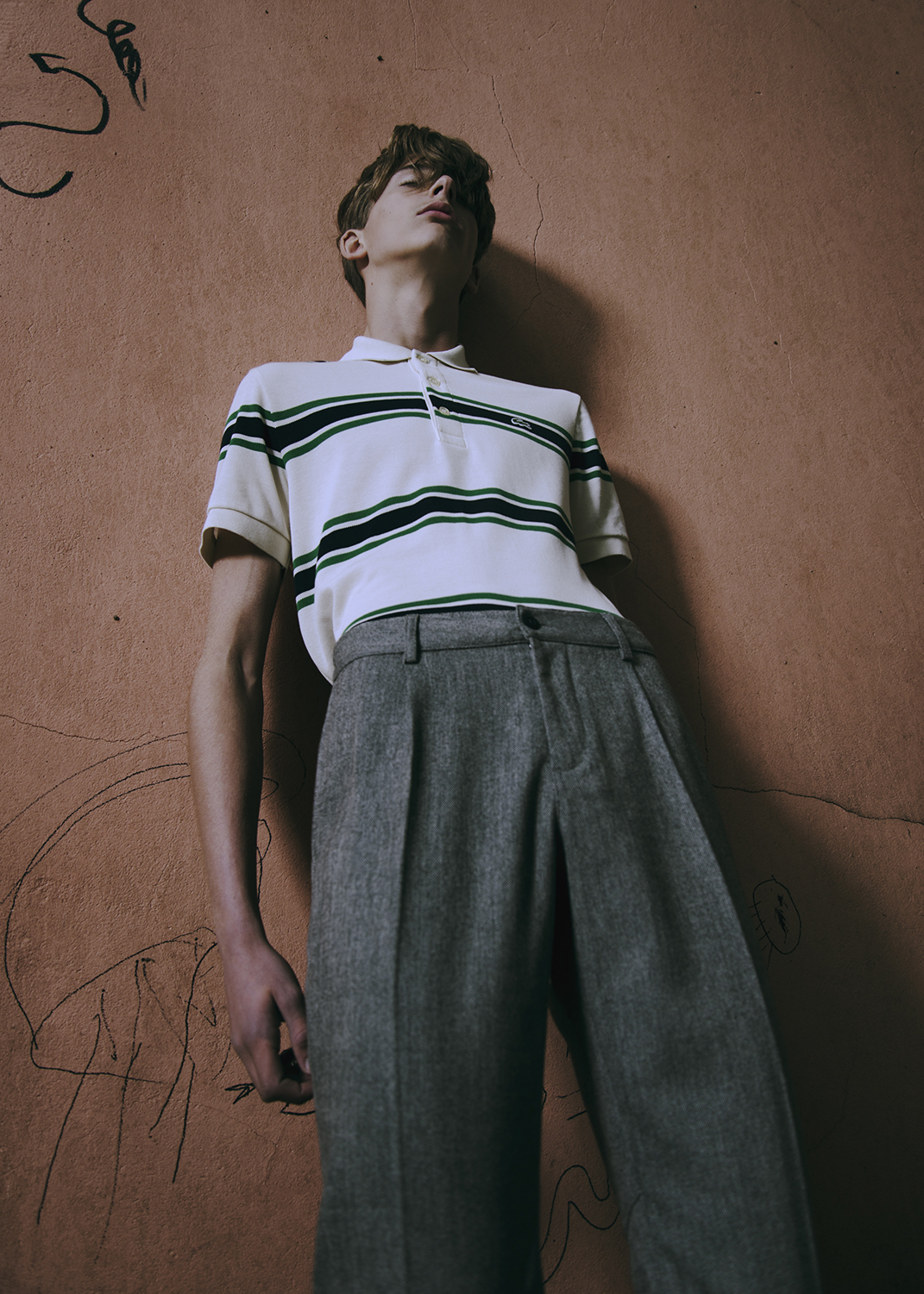 tee by LACOSTE / pants by AMERICAN VINTAGE