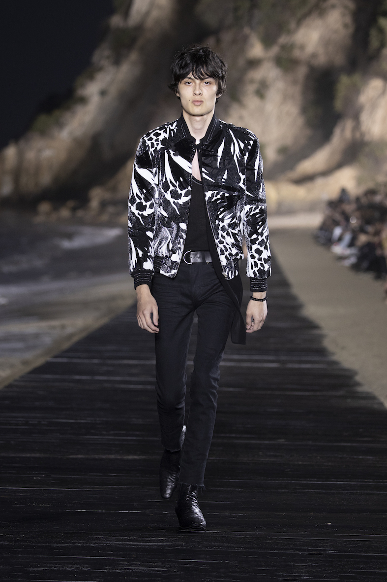 Behind_The_Blinds_Magazine_SAINT LAURENT_MEN_SS20_RUNWAY_24_HR.jpg