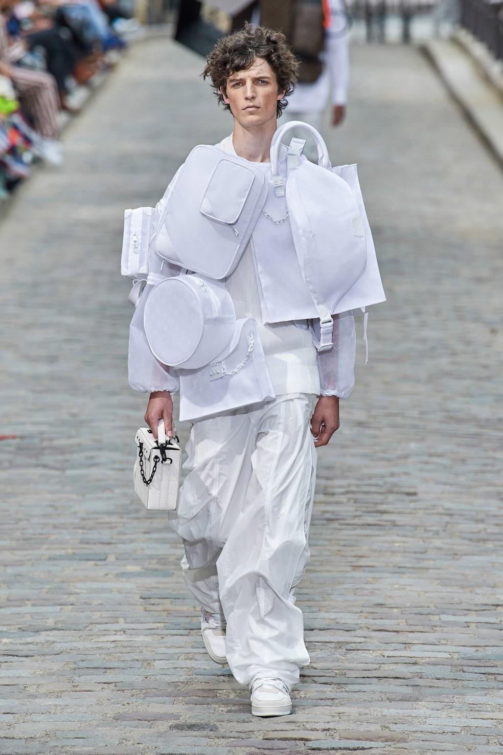 Louis_Vuitton_SS20_Behind_The_Blinds_Magazine__FIO0834.jpg