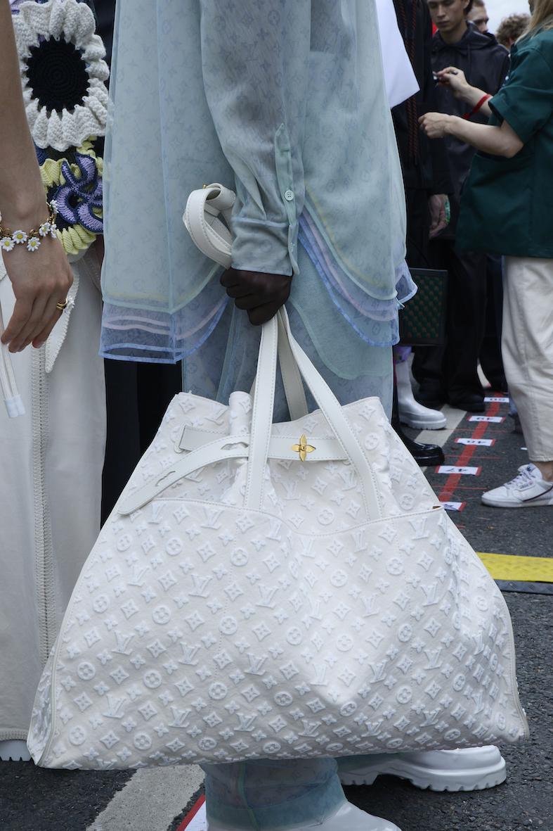 Louis_Vuitton_SS20_Behind_The_Blinds_Magazine_d805083-jpg.jpg