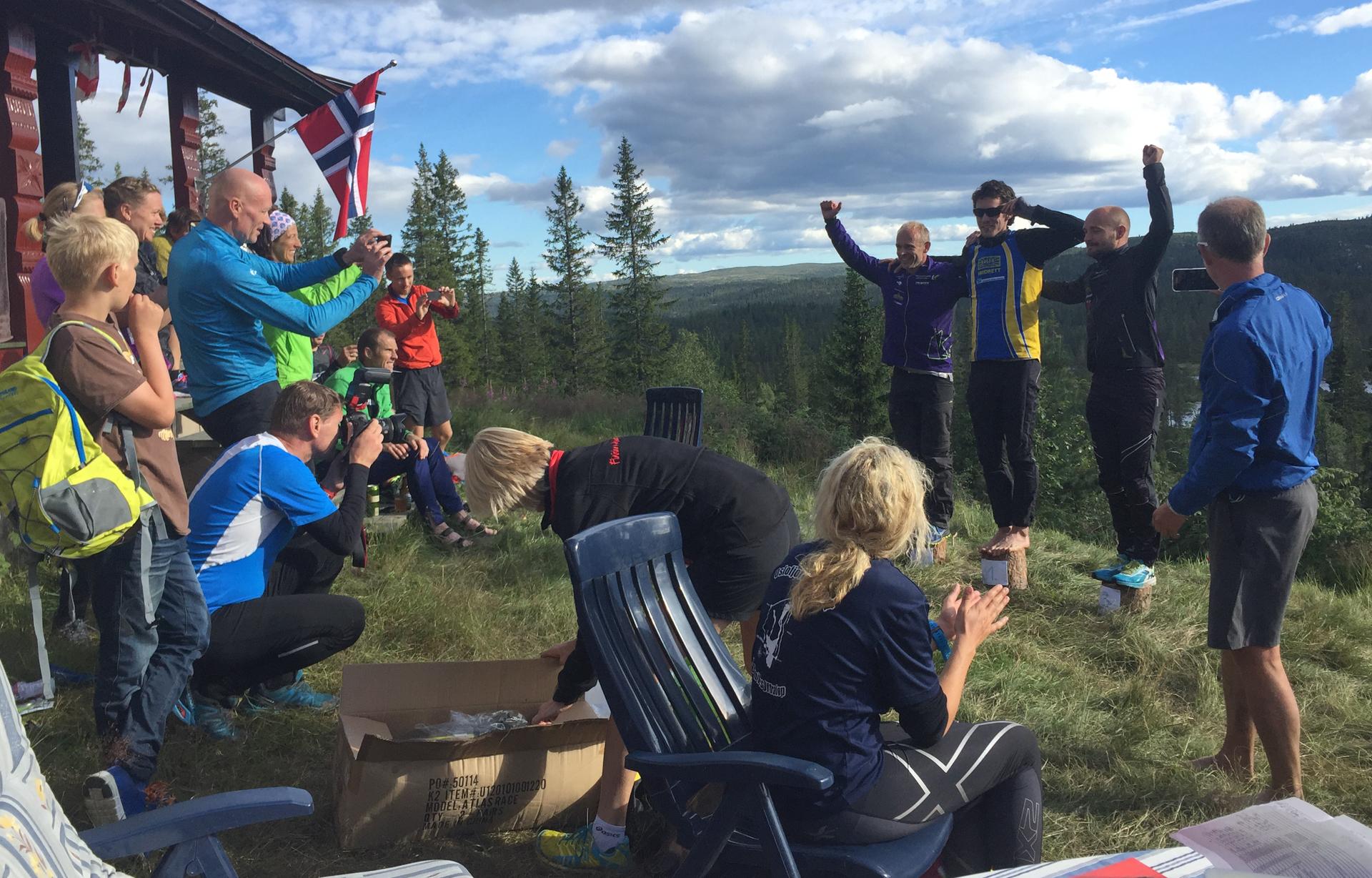 På pallen/ kubber i herreklassen for 56 km står Askil Vatnbakk Larsen (6:57:57), Terje Fredriksen (6:58:05) og Thomas Øderud (7:48).