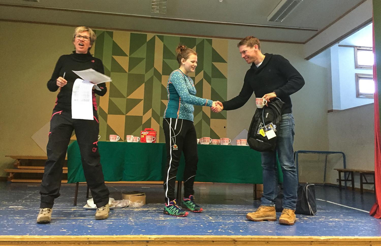 Gaustakongen Tor Halvor Bolkesjø imponerer og får 1. premie for beste tid totalt.
