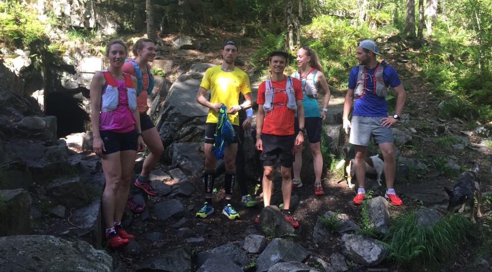 Charlotte, Erika, Jeffrey, Johannes, Lise og Gildwen ble med på løpetur til Flaggermusgruva.