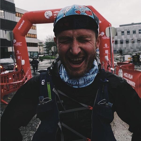 Da jeg kom i mål var jeg veldig glad. Både for at jeg var fremme, og fordi jeg hadde klart å løpe der jeg orket hele veien. En betennelse som hindret meg i løpe under siste del av Xreid ble ikke et problem underveis denne gang. Naprapatbehandlingen i forkant hadde hjulpet. Foto: Mats Kahlström/ Sky Blazers.