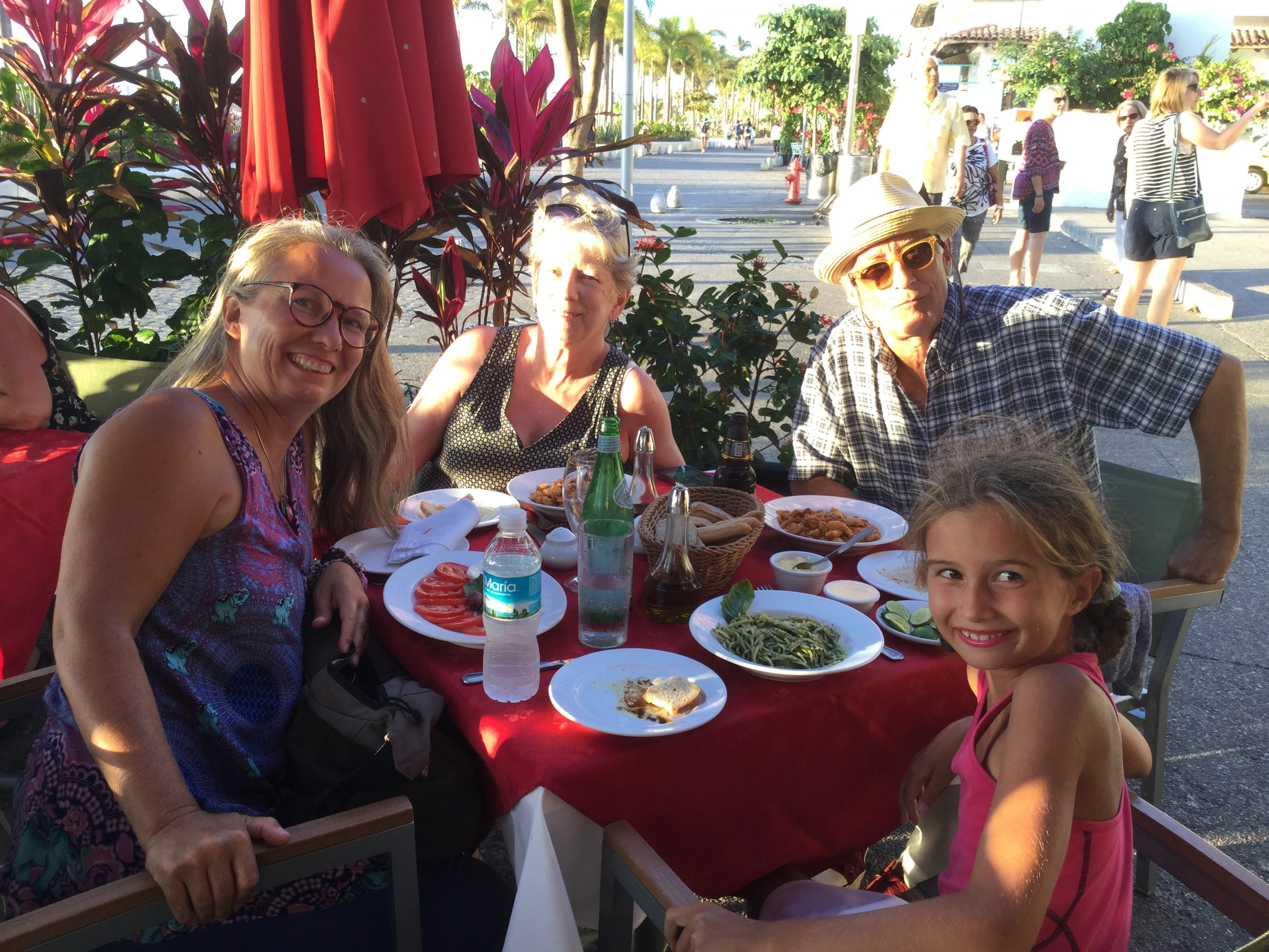 And here we are on the Malecon eating very very good Italian food. (Yes we have had Mexican food almost every day.) It was time for pasta, and dessert was off camera...