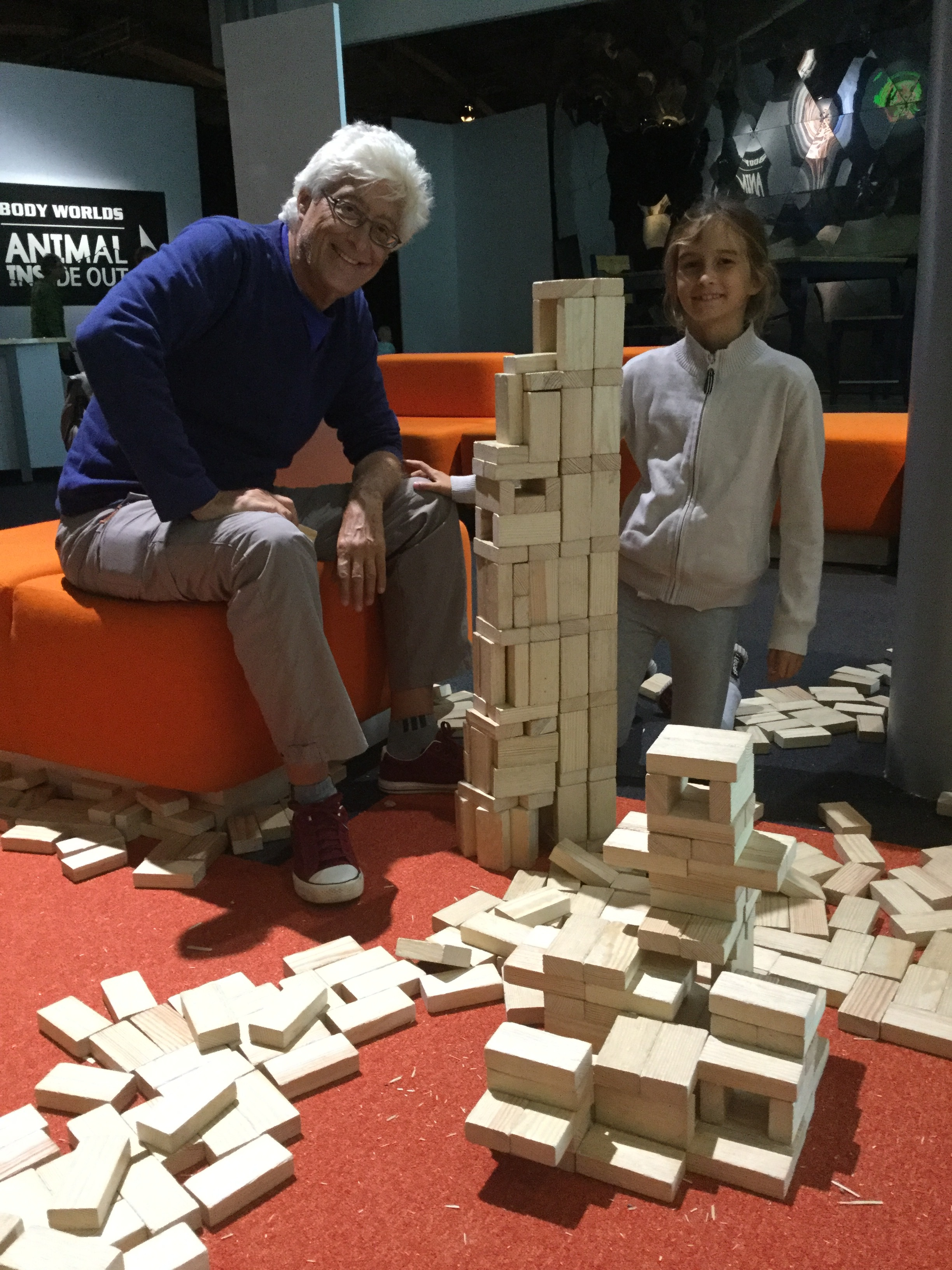 ...and right at the entry there is a big area with simple wooden blocks that anybody can play with. This is lots of fun!