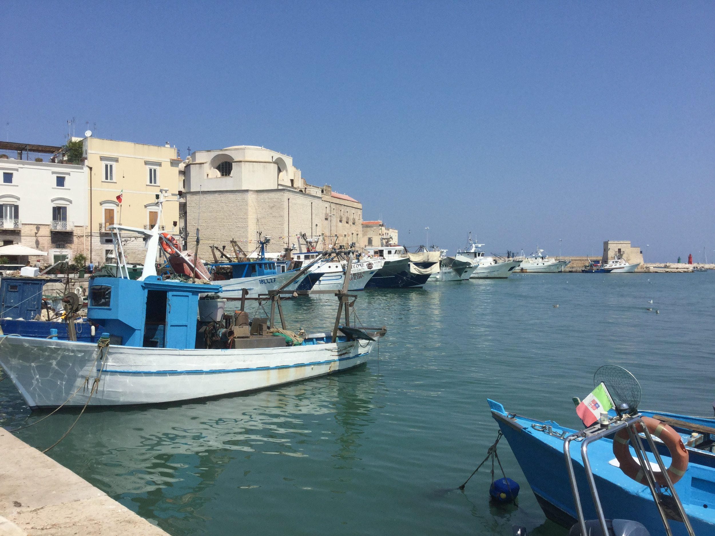 The inner harbour is very similar to that of Bisceglie, only bigger.