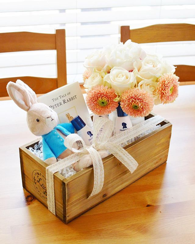 I approach design with such a meaningful style. 🐰 #loveandbisous #babyshower #peterrabbit #giftbox #giftdesign #curatedgifts #easteriscoming #smallbiz #fortlauderdale | 📷: @bisoubisoukim