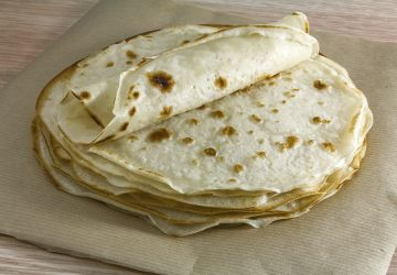 Those aren't tortillas, it's lefse dontcha know!