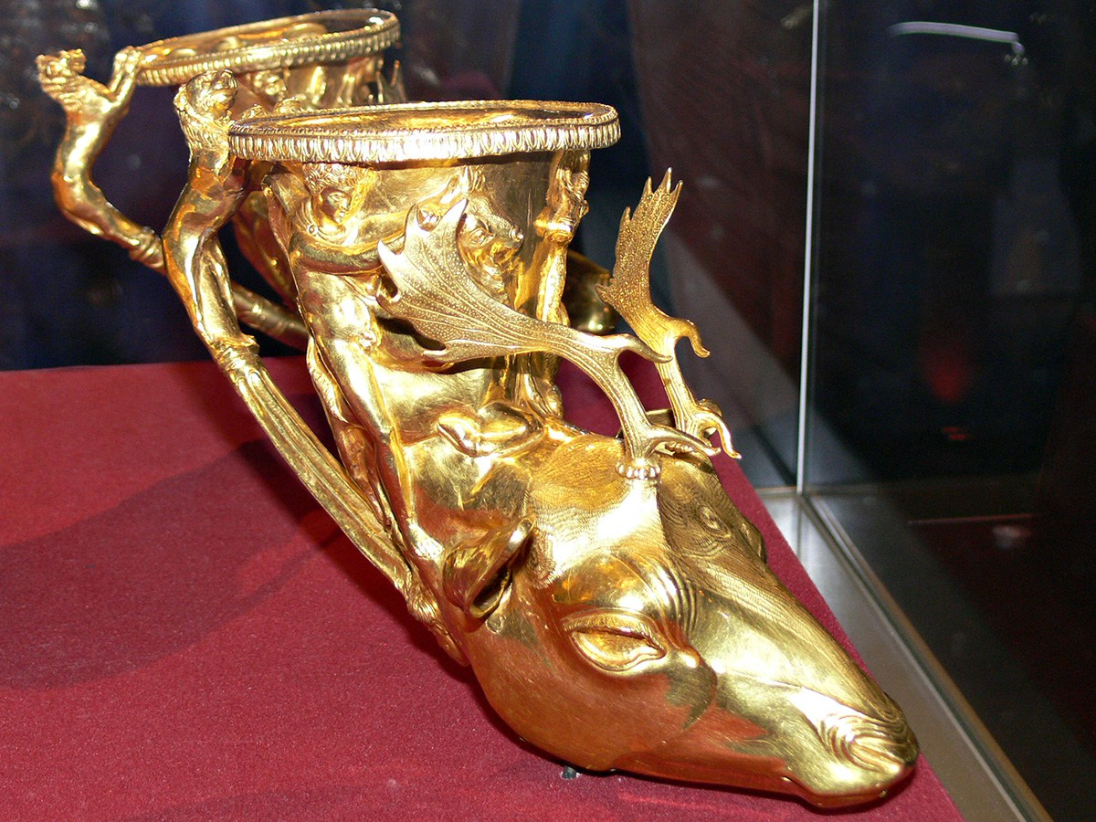Thracians drank Mavrud from gold vessels like this.