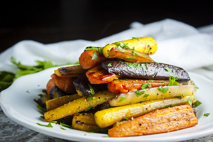 Colorful, economical and delicious roasted carrots!