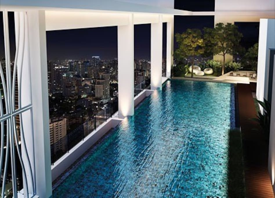 Rooftop pool with outstanding views in Bangkok, Thailand