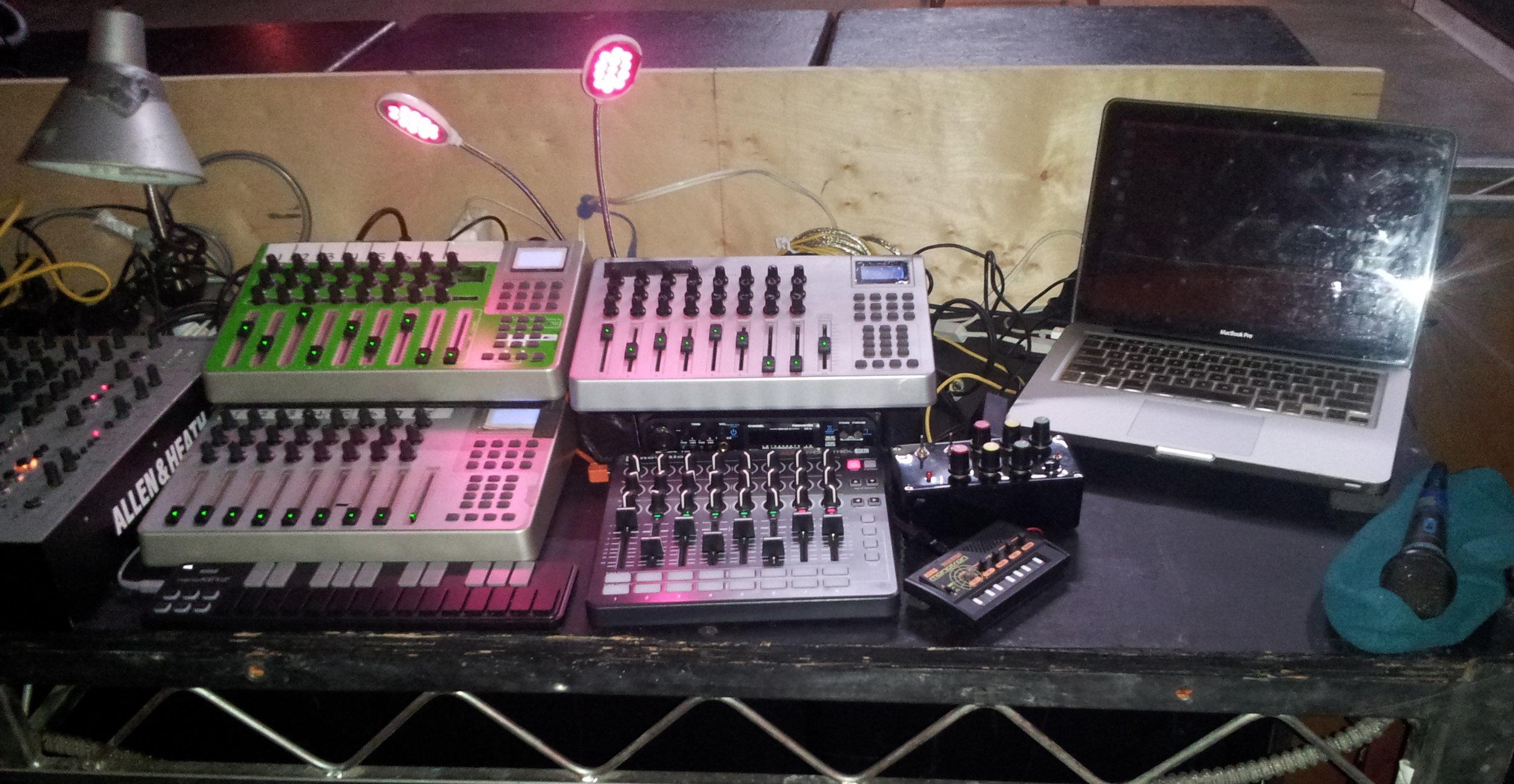 michael red - livePA set up (newest)2.jpg