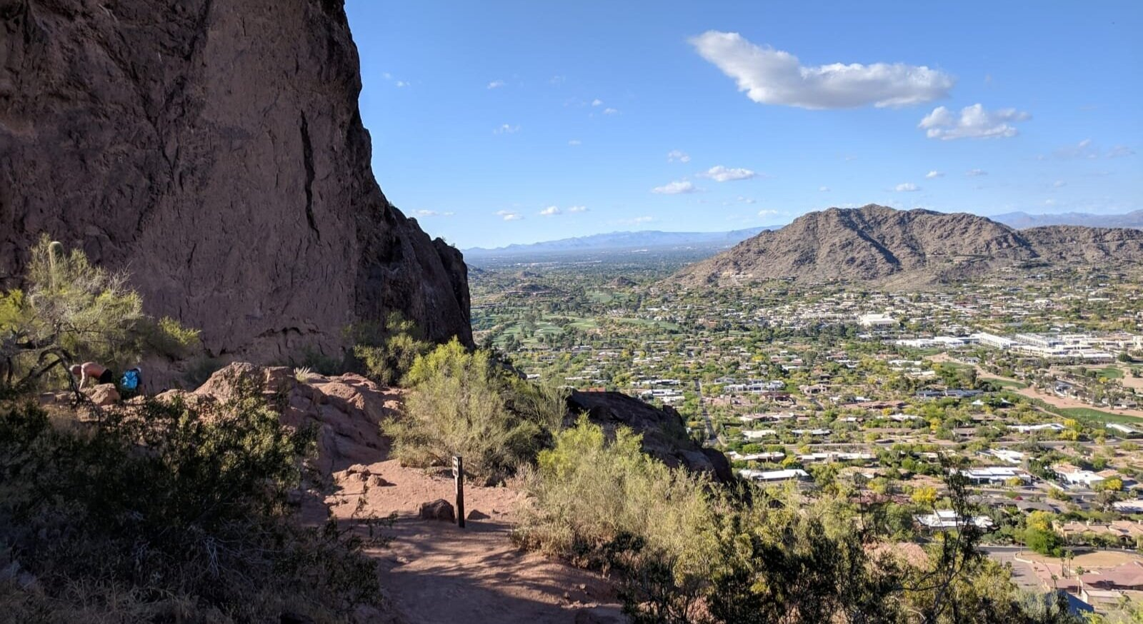 CAMELBACK MOUNTAIN  Echo Canyon Trail & Cholla Trail 10.3 mi / 16.58 km from property
