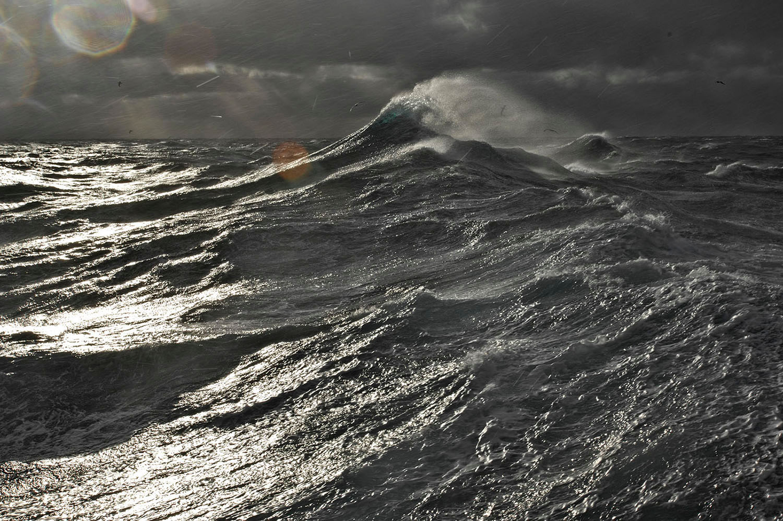 02a_Stormy sea_18095.jpg