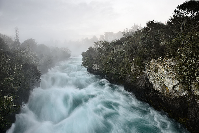 02_Huka Falls.jpg