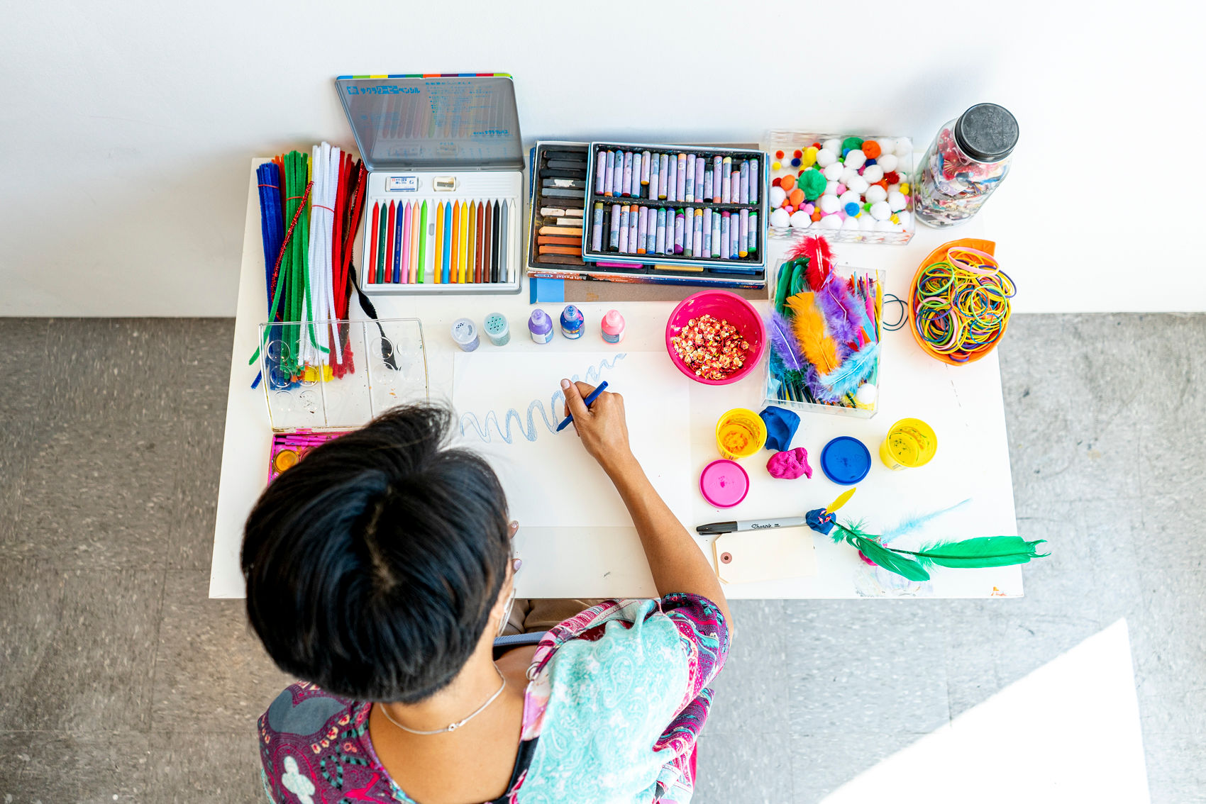 art therapy sessions - Use the creative process and art making to reflect on yourself, gain deeper understanding of your psyche and express your emotions. No art experience is required.