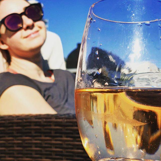 Rosè all day! @ashnicmah  #roseallday #sun #boozy #relaxation