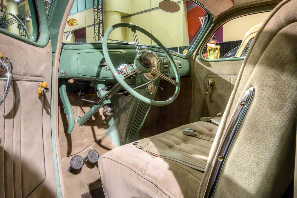 1939 Lincoln Zephyr DJolly Interior Final