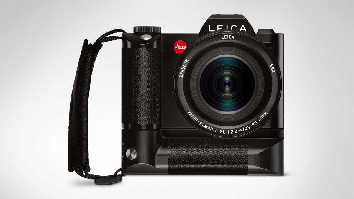 Leica SL with the optional battery grip HG-SCL4