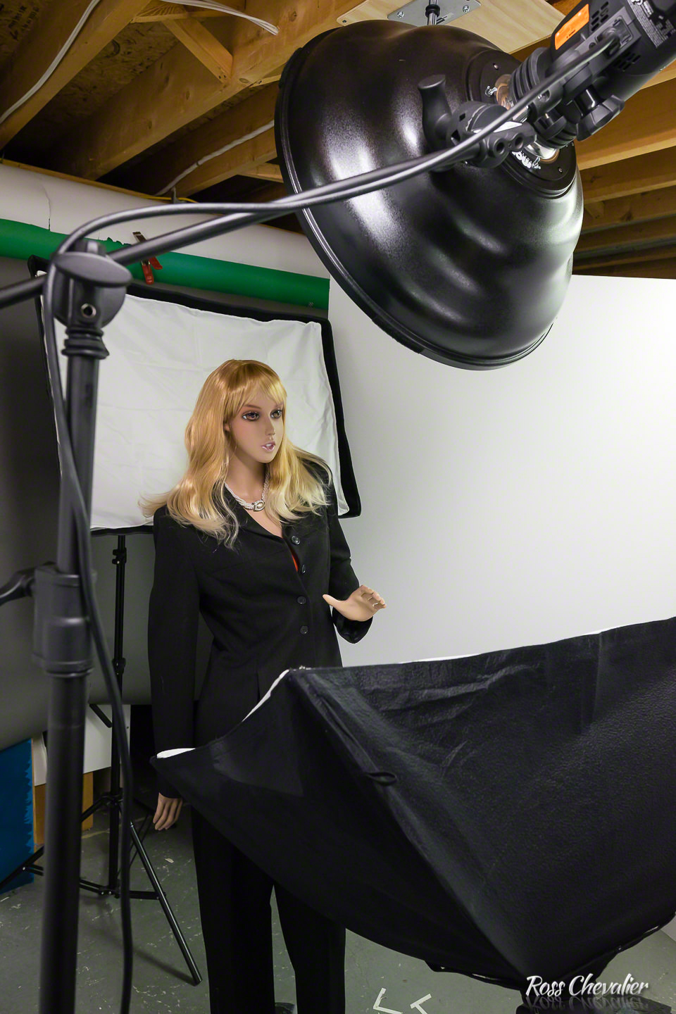 A Behind the Scenes image for an upcoming lighting tutorial. Shot on the Sony A7 II, with a Sigma ART 24/1.4 Canon EF mount lens using the MC-11 mount converter. All automation was preserved, thus the MC-11 makes the one lens available on two different mounts.