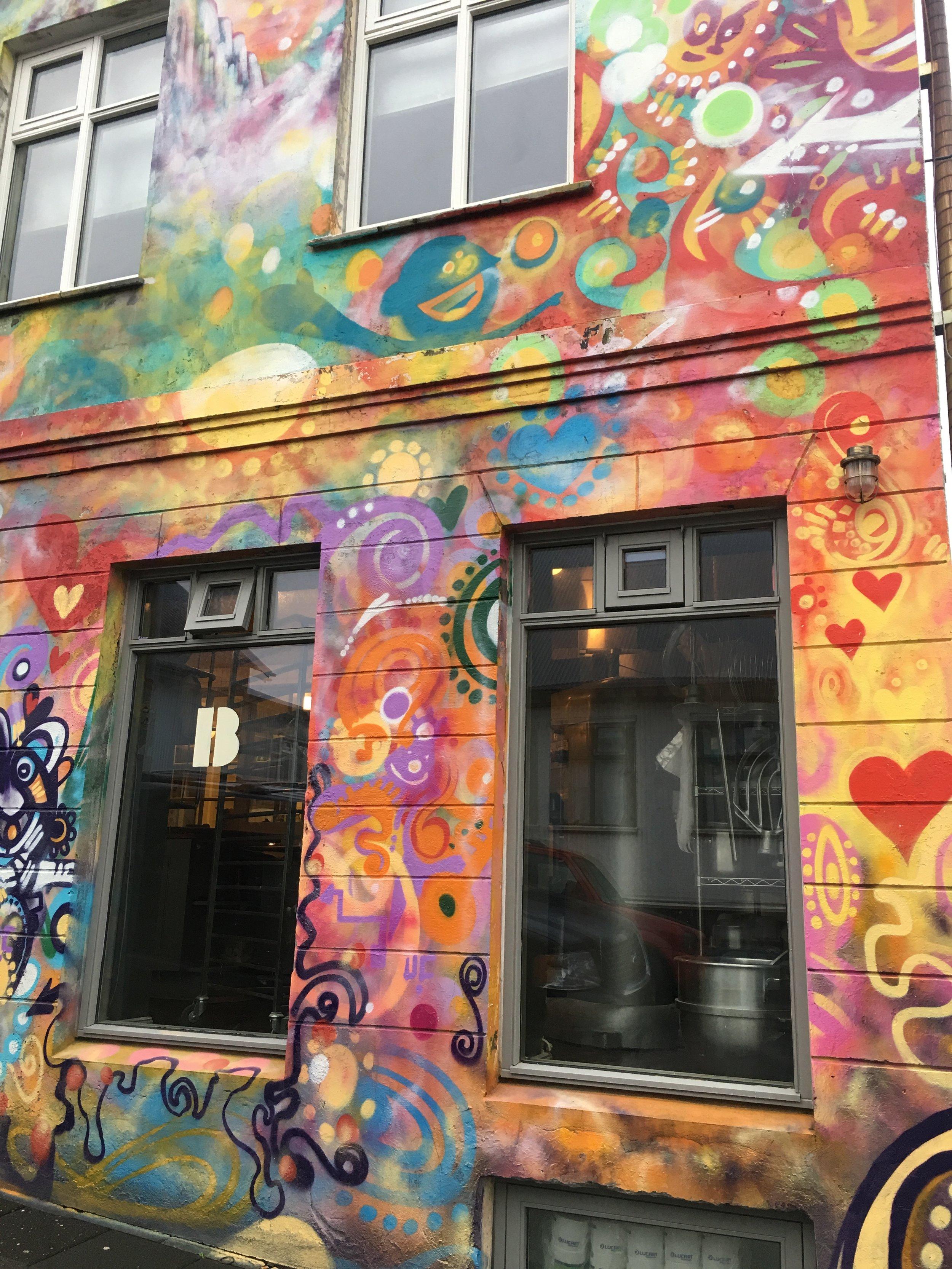 Rainbow wall - Colors everywhere