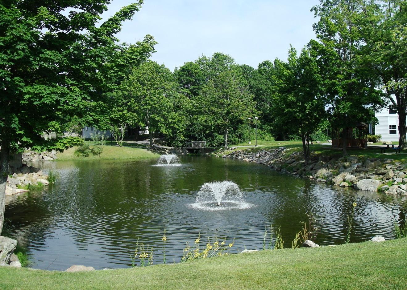RWU_Fountain_Pond.jpg