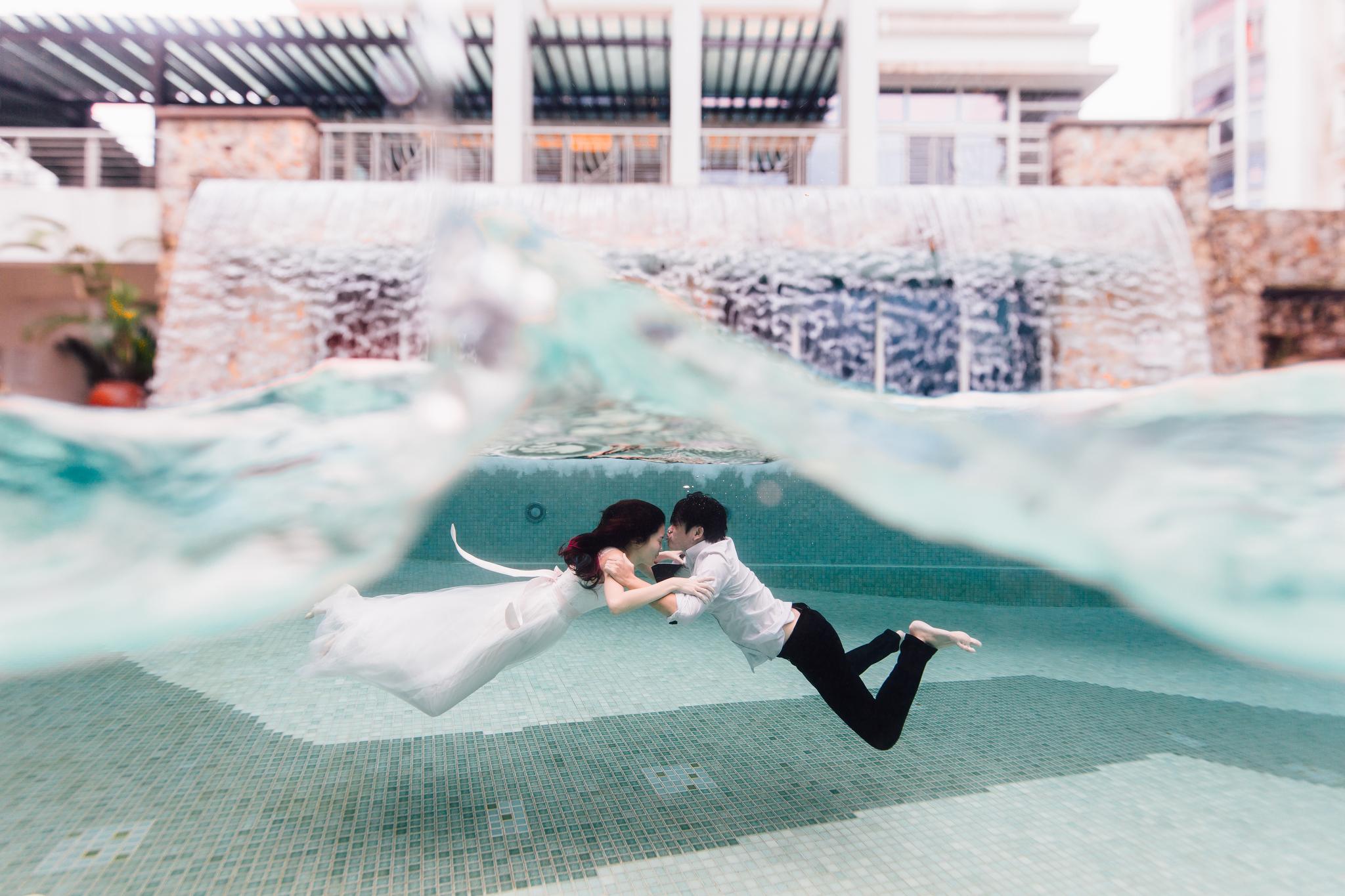 Joey & Amily Underwater  (36 of 50).JPG
