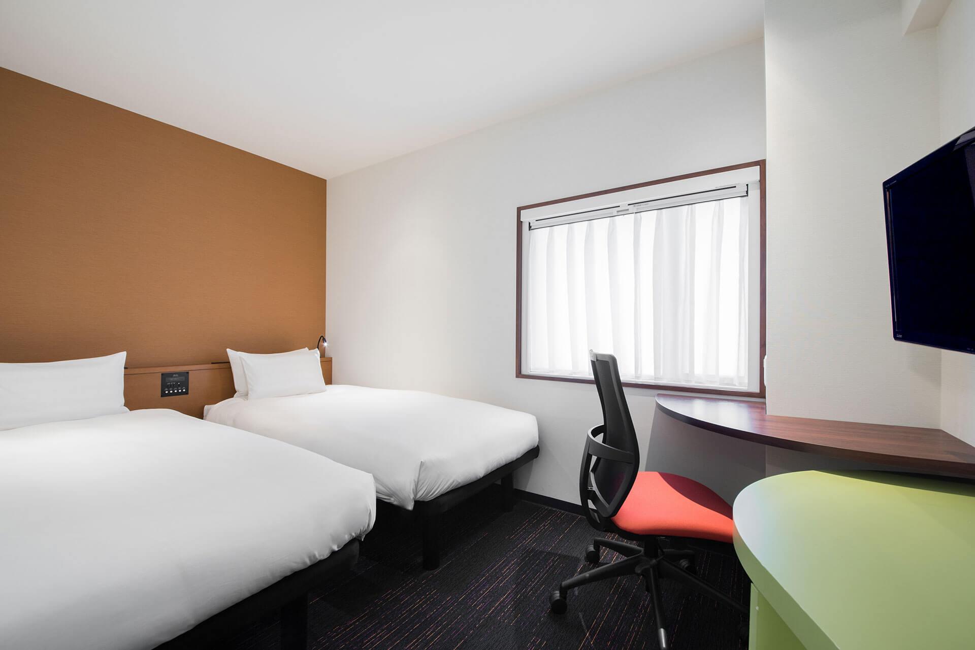 theb_akasaka_guestroom2.jpg