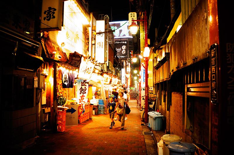 roppongi-alleyway-night-bright-lights.jpg