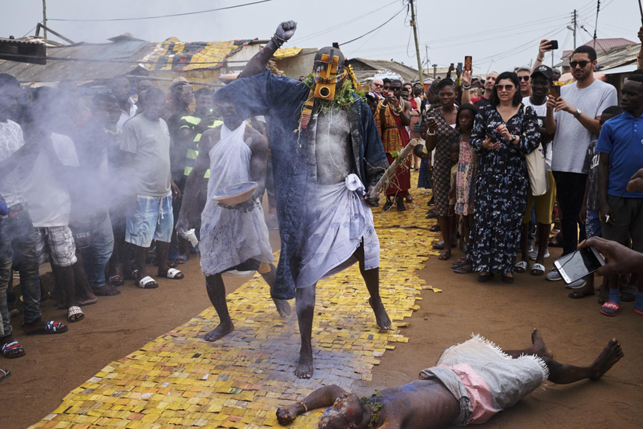 Serge Attukwei Clottey, 360 La, photography Ric Bower