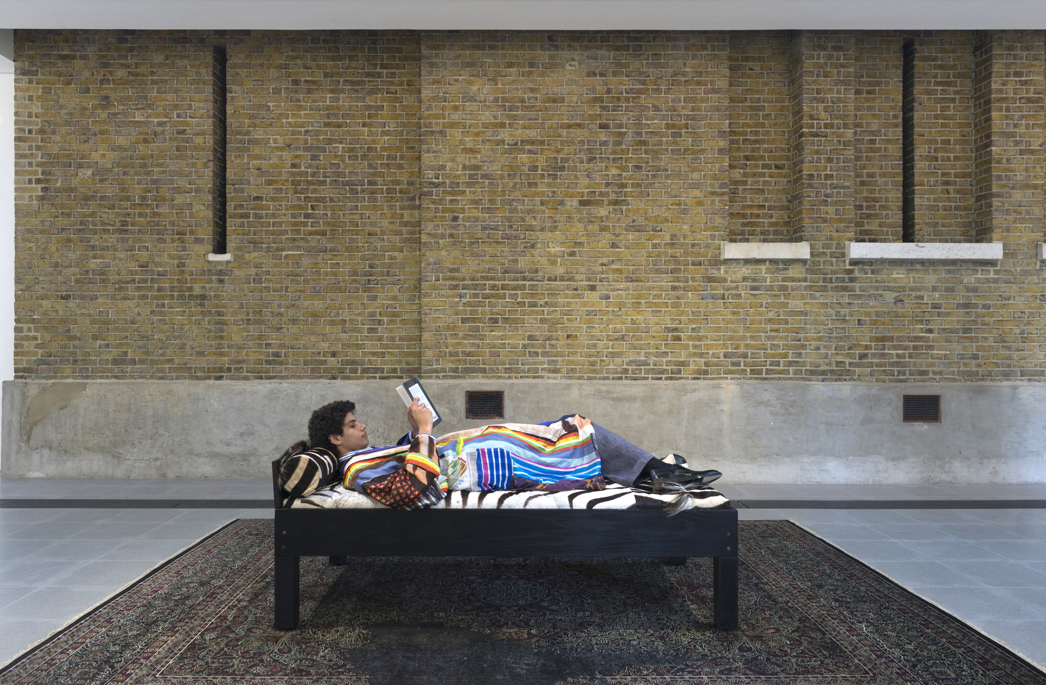 Rashid Johnson, Untitled (daybed 1) 2012, Grace Wales Bonner: A Time for New Dreams. (Installation view, 18 January – 16 February 2019, Serpentine Galleries). © 2019 readsreads.info