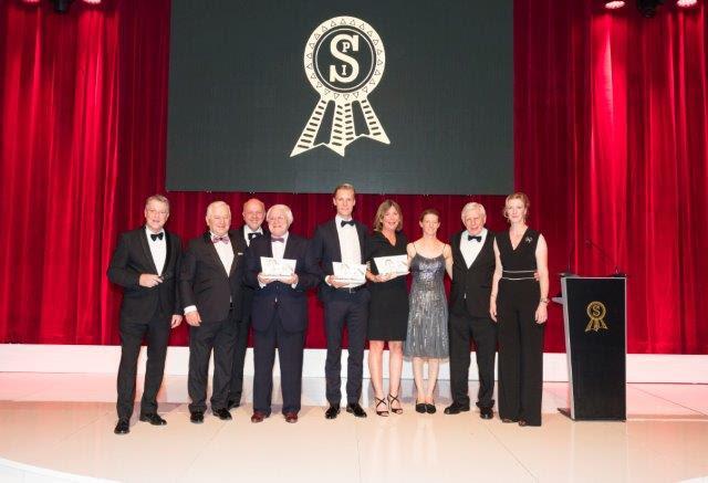 The award winners: v.L. Carsten Sostmeier, Ullrich Kasselmann, Fritz Johannsman, Dieter Ludwig, Daniel Bachmann Andersen, Alice Lawaetz, Sandra Auffahrt, Paul Schockemöhle, Nathalie zu Sayn-Wittgenstein.
