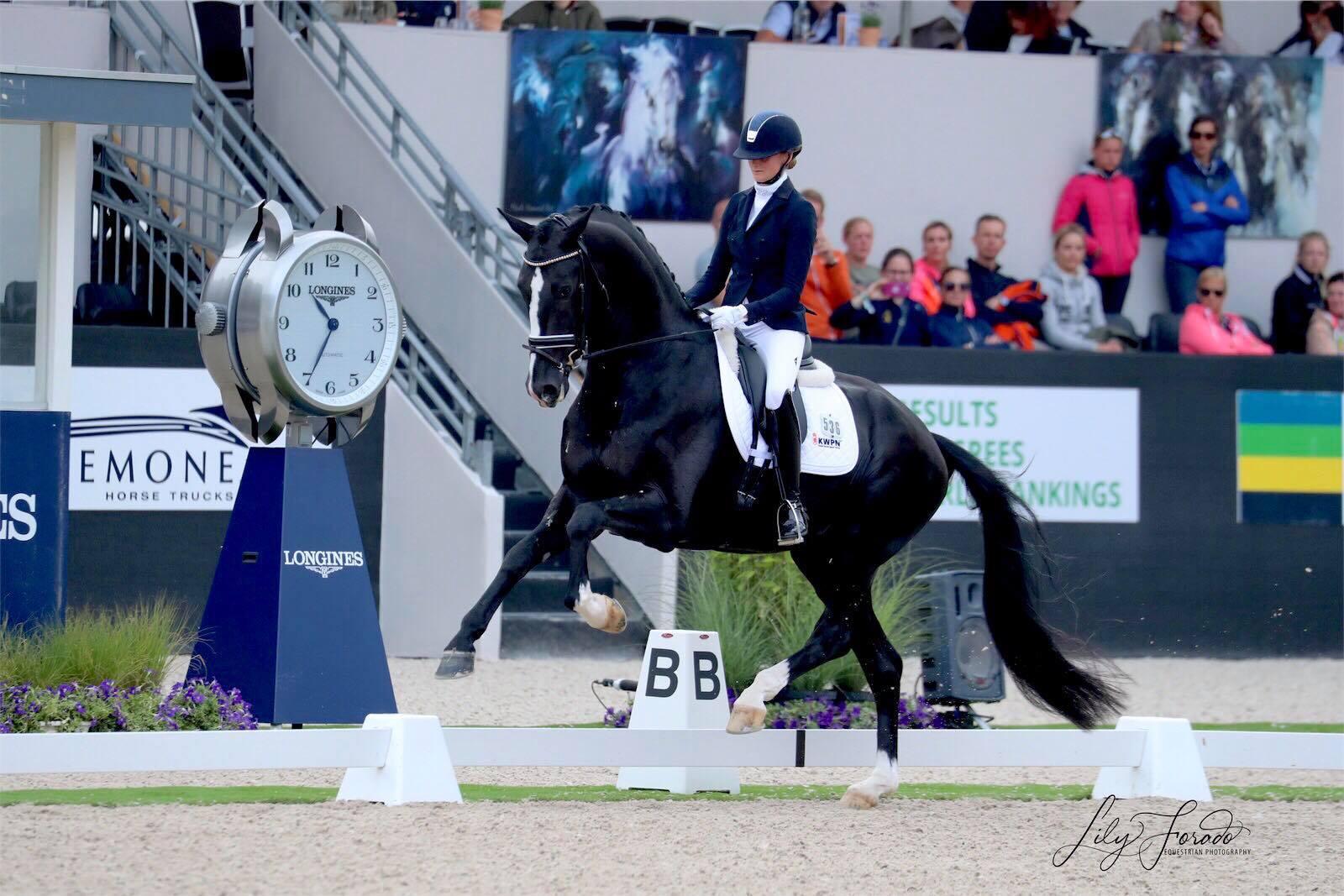 Jameson RS2 and Marieke van der Putten - photo credit: Lily Forado
