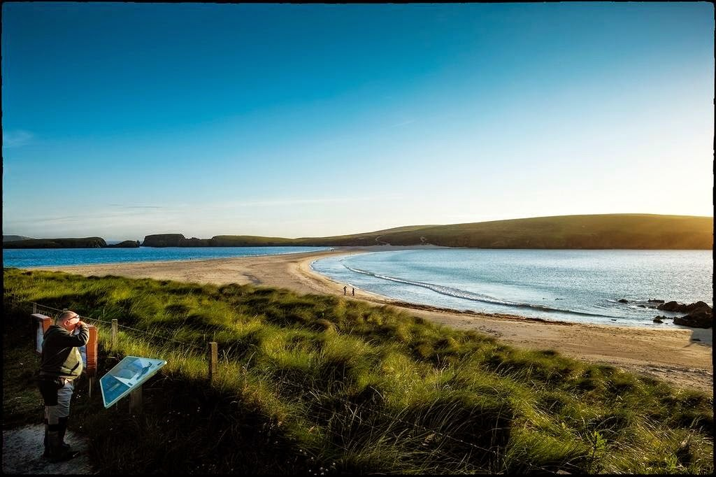 St Ninians bay Shetland sun set walking photography natural cause way sand beach cold water sea view landscap tourist island swim cold windy visting