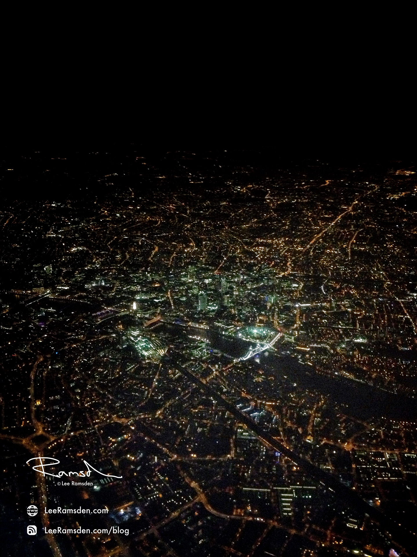 iPhone imagelondon river thames iPhone iPhoneography nightscape from a plane lee ramsden