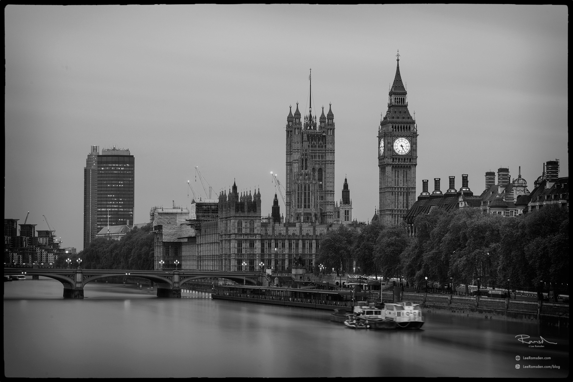 Big ben black and white monochrome image london bridge river thames westminster capital government lee ramsden leeramsden.com blog