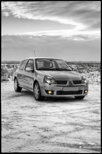 "<img src=""Renualt Clio sport turbo 2 litre"" alt=""HDR Lytham Beach fast car"">"