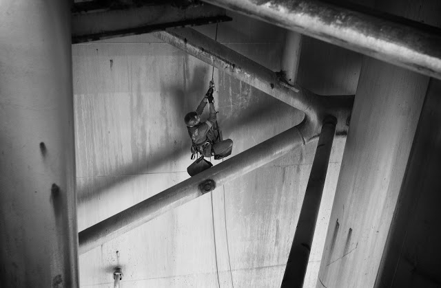 IRATA industrial rope access abseiling climbing a rope