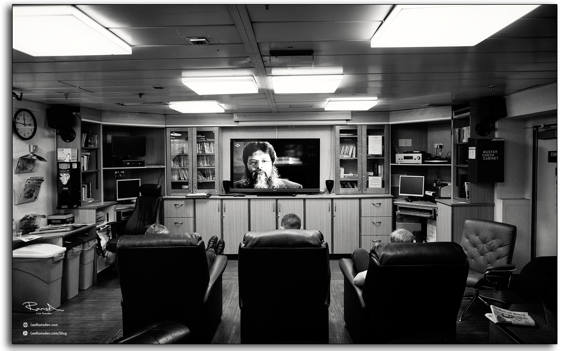 24 Auk Oil rig platform Talisman TV lounge workers watching tv