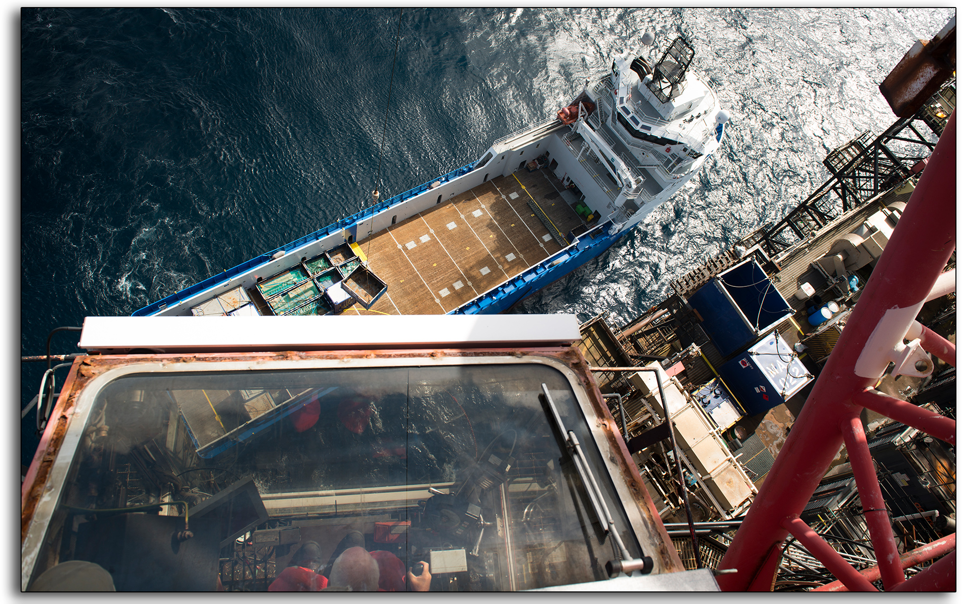 crane, offloading, backloading, supply vessel, offshore, north sea, oil and gas industry, photo by Lee Ramsden.jpg