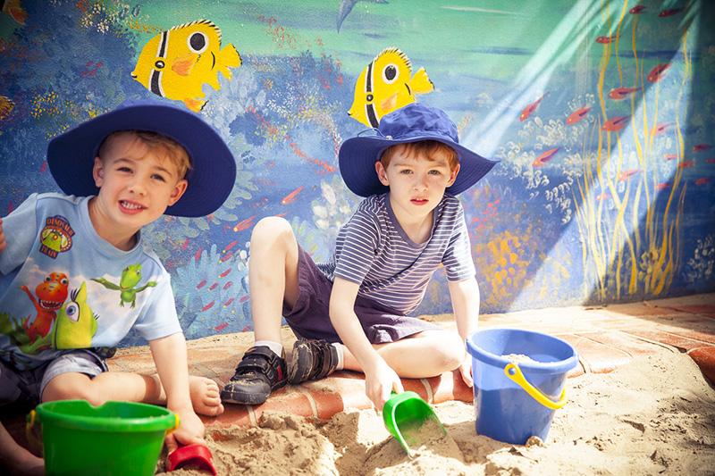 Sandpit Fun Silvan and Toby1087-381.jpg