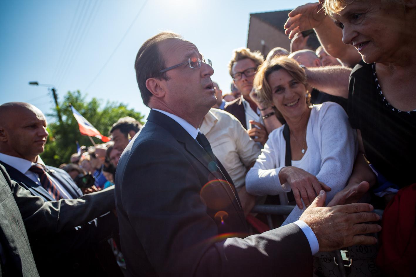 Reportage sur la venue de François Hollande, président de la république à Denain (59), pour promouvoir la réforme des rythmes scolaires dans une des villes les plus pauvres de France.  Publié sur le site de dailynord.fr