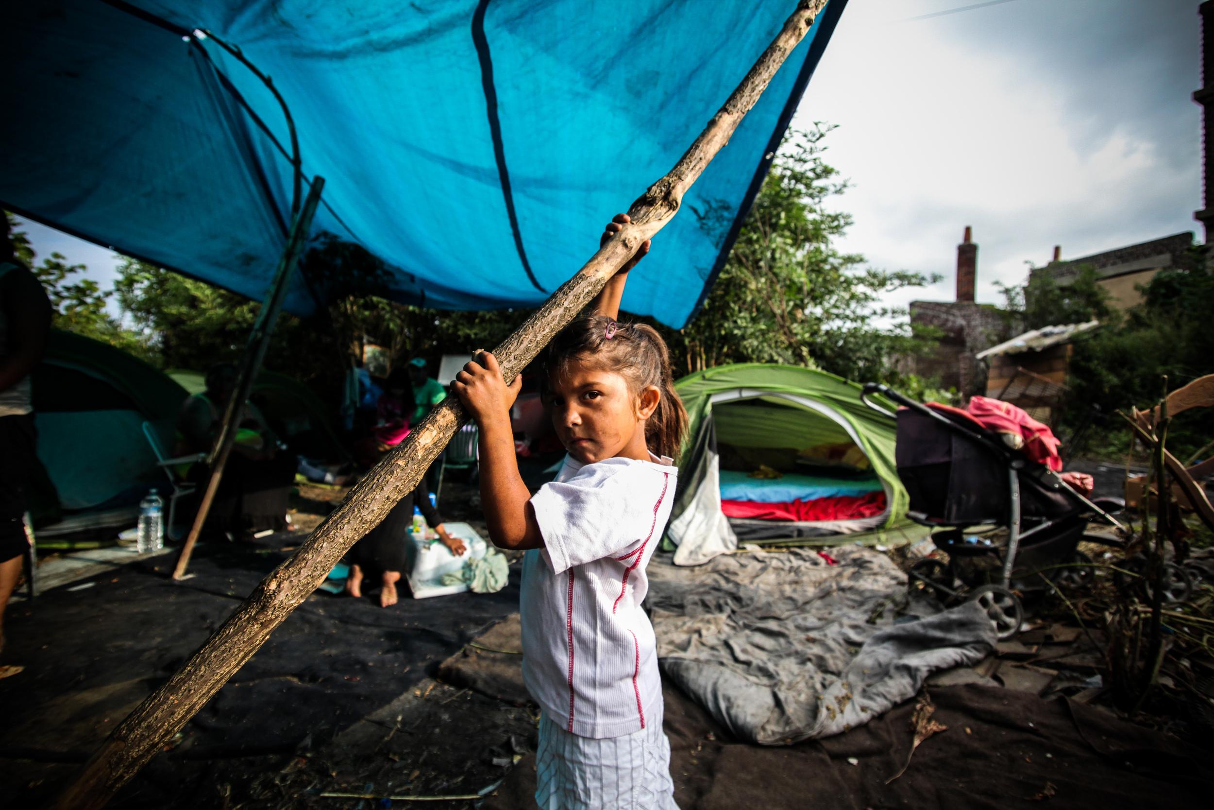 9 août 2012. Les premières expulsions de campements roms sont ordonnées par le ministère de l'intérieur. Le 21 aout, les campements roms de la métropole lilloise témoignent toujours de l'absence de solution de relogement.
