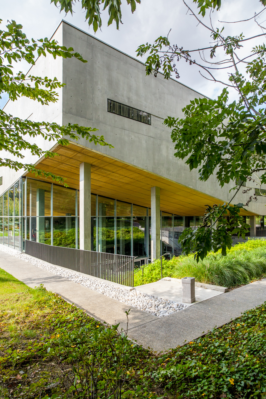 Reportage réalisé pour le compte de la communication de l'EDHEC Business School, sur le campus de Croix.